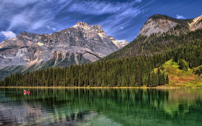 6953051-emerald-lake.jpg