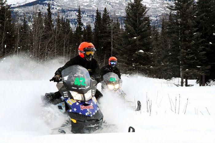 800px-flickr_-_the_u-s-_army_-_alaska_national_guard_iron_dog_snowmobile_race_camp_denali_alaska